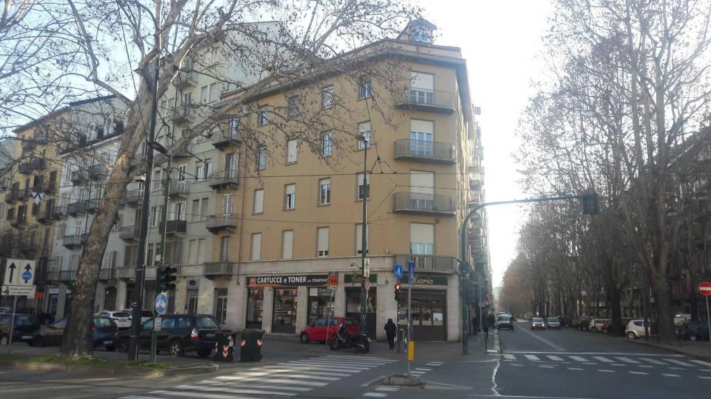 Foto 1 di Trilocale corso Alcide De Gasperi 71, Torino (zona Crocetta, San Secondo)