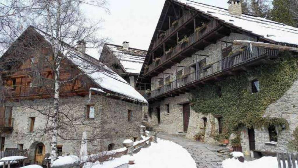Foto 1 di Bilocale frazione Grangesises, frazione Grange Sises, Sauze Di Cesana