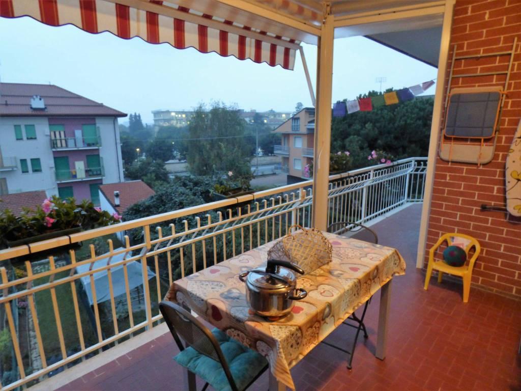 Confreria comodo alloggio con terrazzo, termoautonomo via Valle Grana
