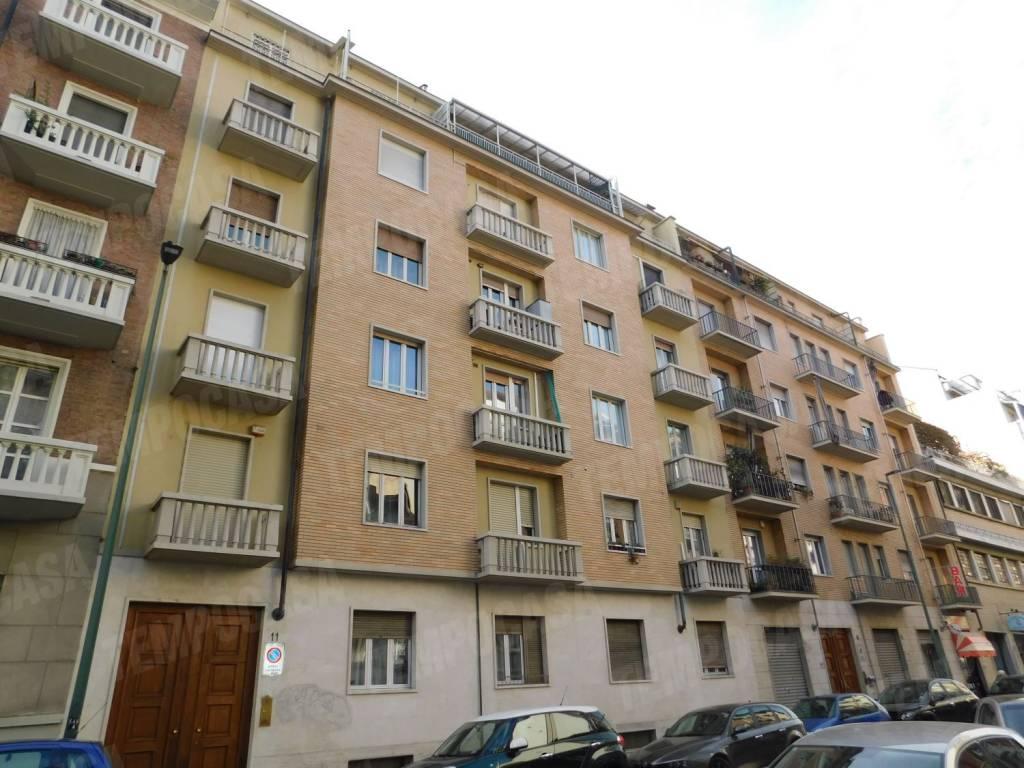 Foto 1 di Trilocale via Zumaglia, 11, Torino (zona Parella, Pozzo Strada)