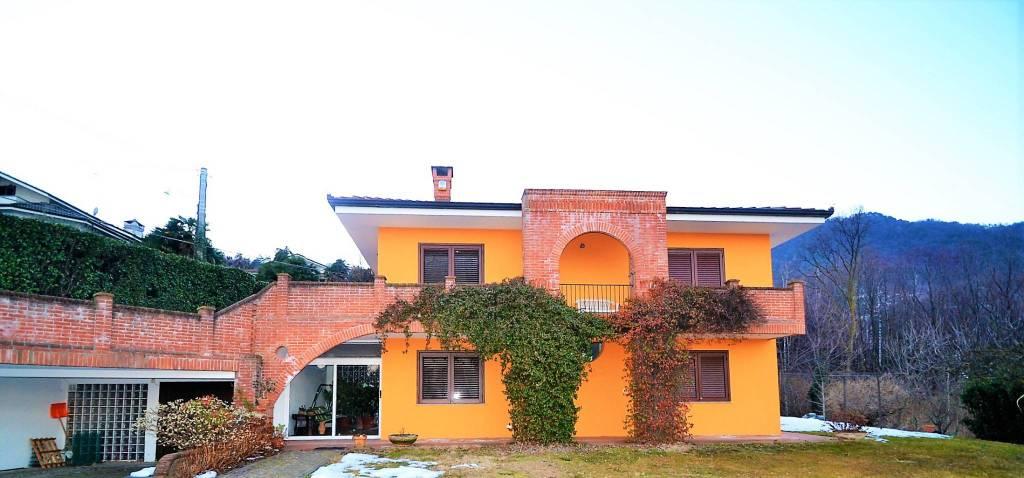 Foto 1 di Villa via Rostagno, Roletto