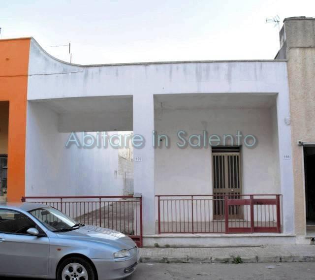 Soluzione Indipendente in vendita a Castrignano del Capo, 2 locali, prezzo € 45.000 | CambioCasa.it