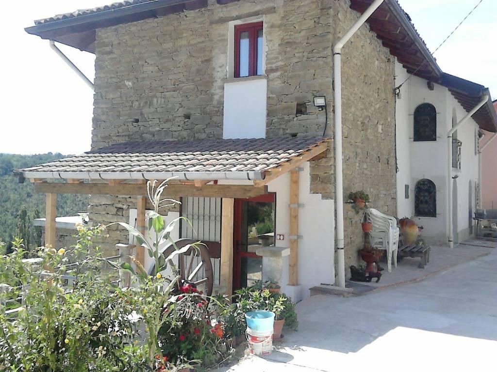 Villa in vendita a Cremolino, 6 locali, prezzo € 170.000 | CambioCasa.it