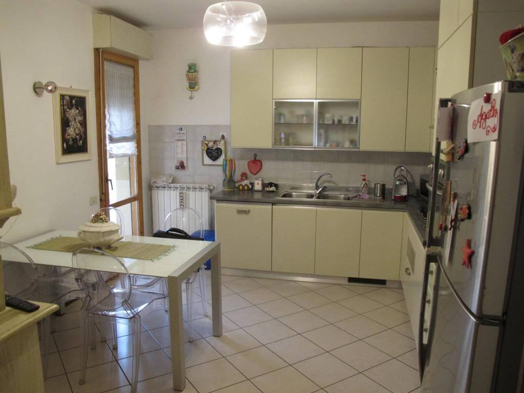 Appartamento in Vendita a Pistoia Periferia Nord: 5 locali, 93 mq