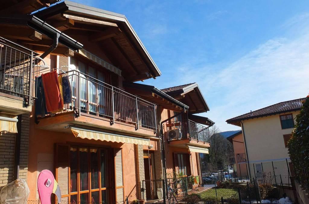 Appartamento in vendita a Dumenza, 3 locali, prezzo € 155.000 | CambioCasa.it