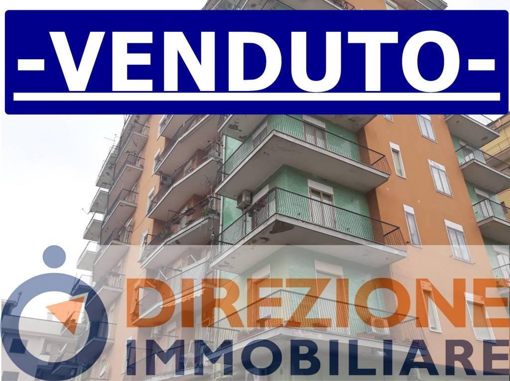 Appartamento in buone condizioni in vendita Rif. 8189062