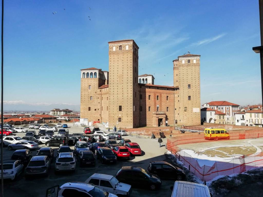 Foto 1 di Quadrilocale piazza Castello 1, Fossano
