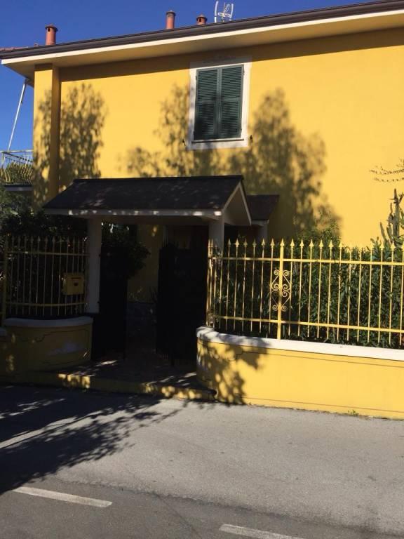 Appartamento in ottime condizioni arredato in affitto Rif. 8031008