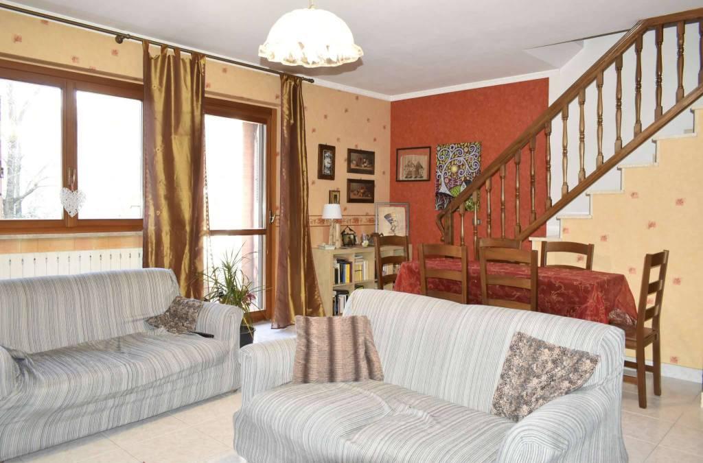 Villa a Schiera in Vendita a La Cassa