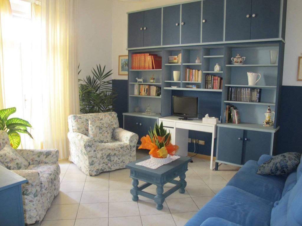 Casa indipendente in Affitto a Pistoia Centro: 5 locali, 124 mq