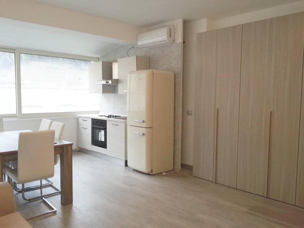 Appartamento in ottime condizioni arredato in vendita Rif. 8494654
