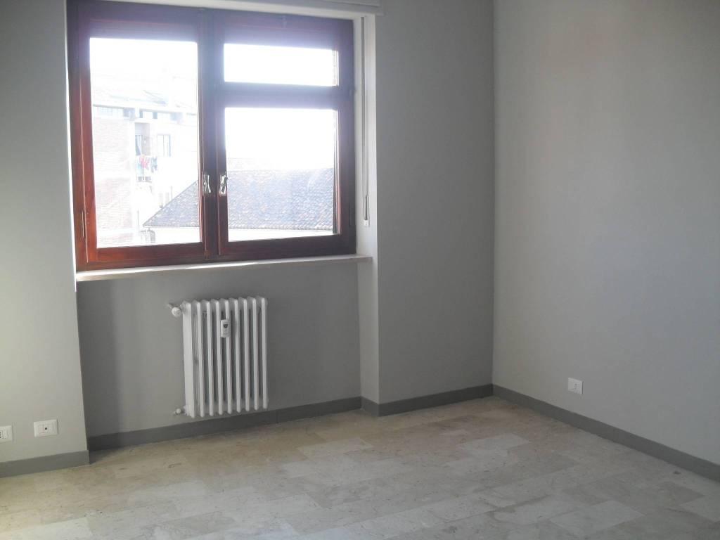 Foto 1 di Bilocale via Giuseppe Cagna 4, Asti
