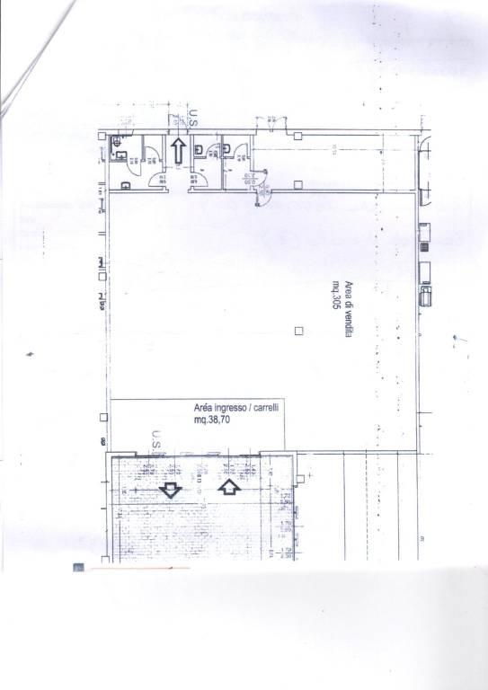 Negozio / Locale in affitto a Alessandria, 1 locali, Trattative riservate | CambioCasa.it