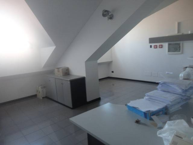 Ufficio / Studio in affitto a Alessandria, 6 locali, prezzo € 1.200 | CambioCasa.it