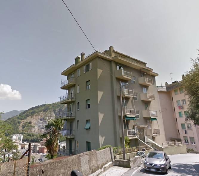 Foto 1 di Quadrilocale via di Pino 31, Genova (zona Valbisagno (Prato-Molassana-Struppa-S.Gottardo-S.Eusebio))