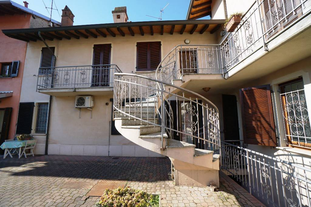 Appartamento in vendita a Cassolnovo, 2 locali, prezzo € 69.000   CambioCasa.it