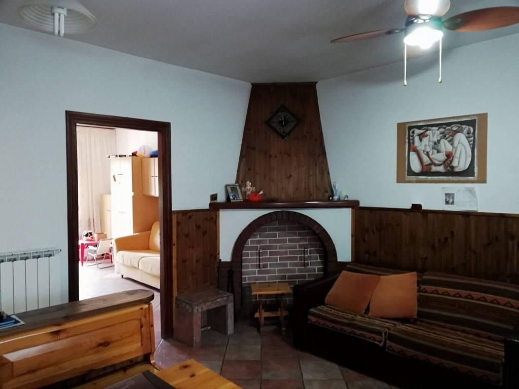 Appartamento in vendita a Colle di Tora, 3 locali, prezzo € 75.000 | CambioCasa.it