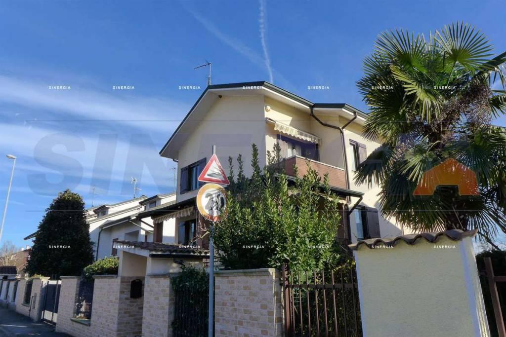 Villa a Schiera in vendita a Albairate, 5 locali, prezzo € 279.000 | CambioCasa.it