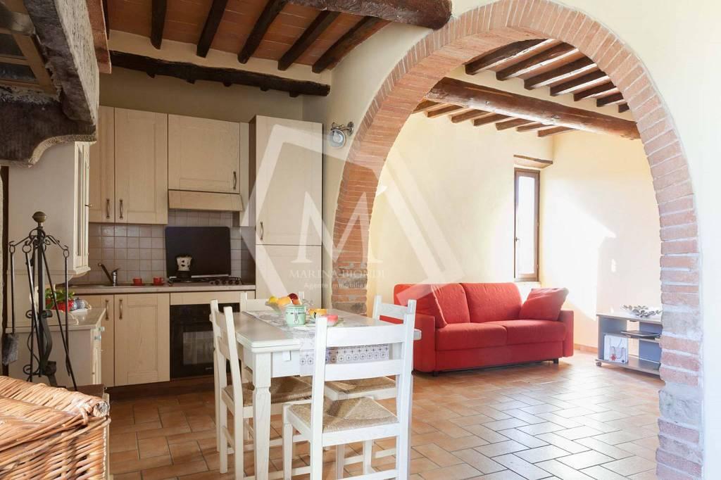 Appartamento in Vendita a Arezzo Periferia Sud: 3 locali, 67 mq