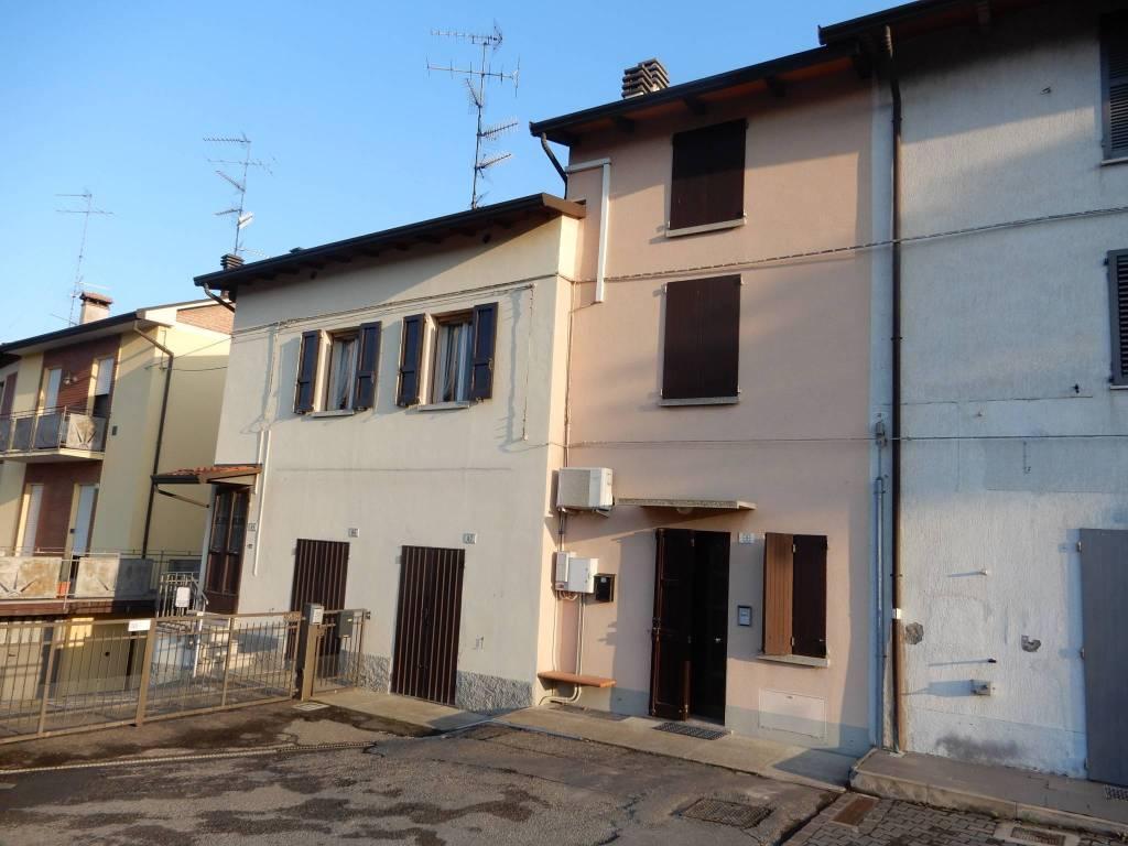 Foto 1 di Casa indipendente via Montanara, Imola