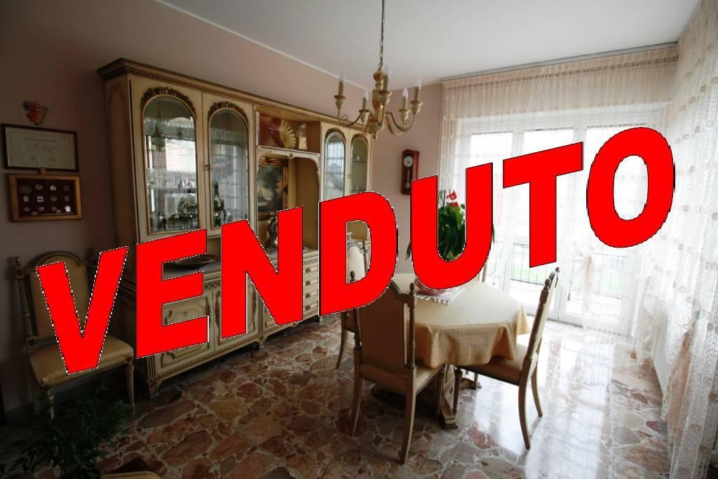 Appartamento in buone condizioni in vendita Rif. 8688759