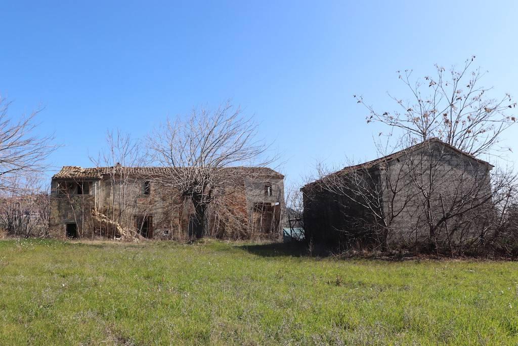 Rustico / Casale da ristrutturare in vendita Rif. 5277470