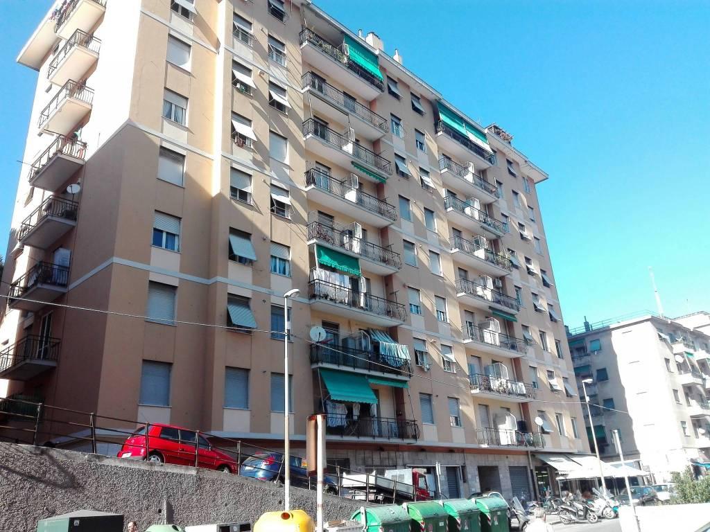 Foto 1 di Trilocale via Piacenza 174, Genova (zona Valbisagno (Prato-Molassana-Struppa-S.Gottardo-S.Eusebio))
