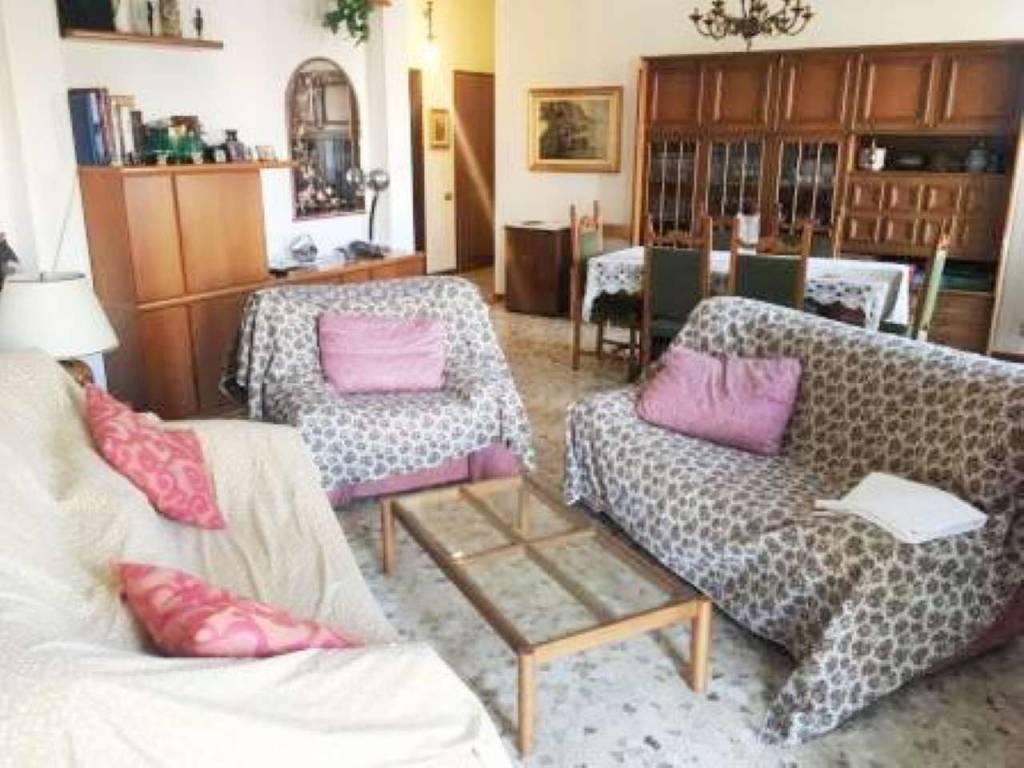Appartamento in vendita a Gerenzano, 3 locali, prezzo € 125.000 | PortaleAgenzieImmobiliari.it