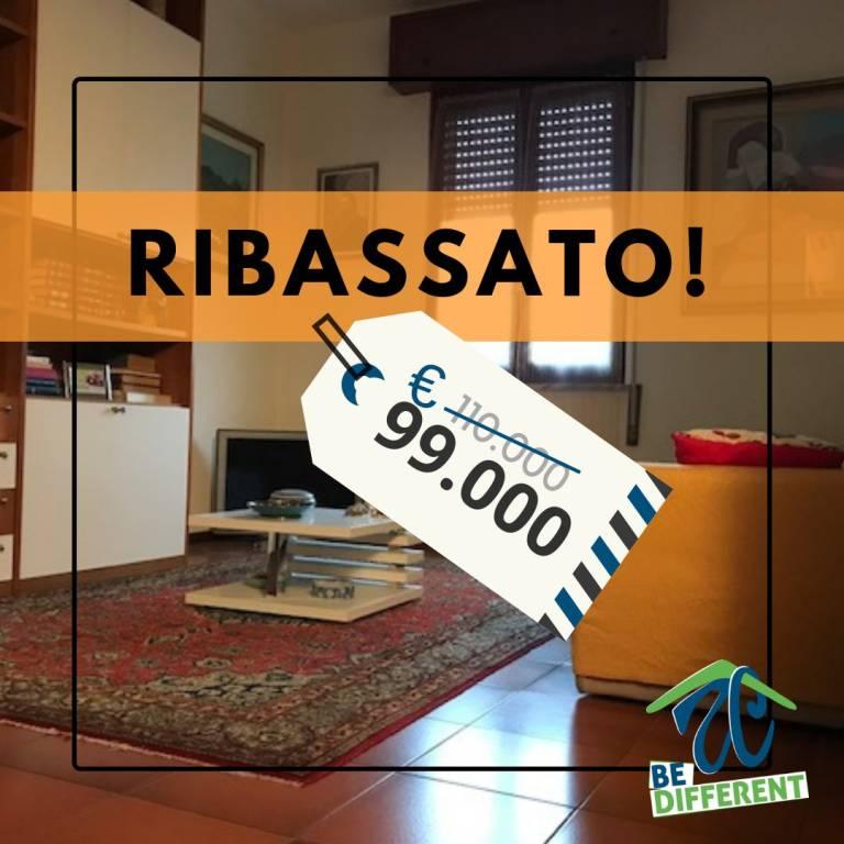 Appartamento in buone condizioni in vendita Rif. 9306777