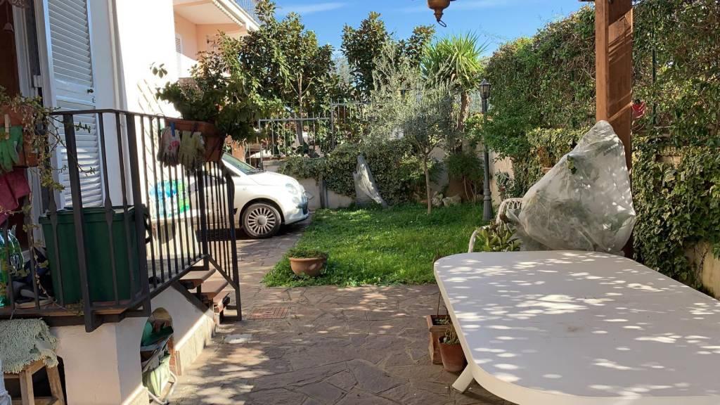 Appartamento in vendita a Frascati, 6 locali, prezzo € 367.000   CambioCasa.it