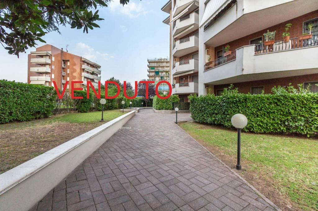 Appartamento in ottime condizioni in vendita Rif. 7376997