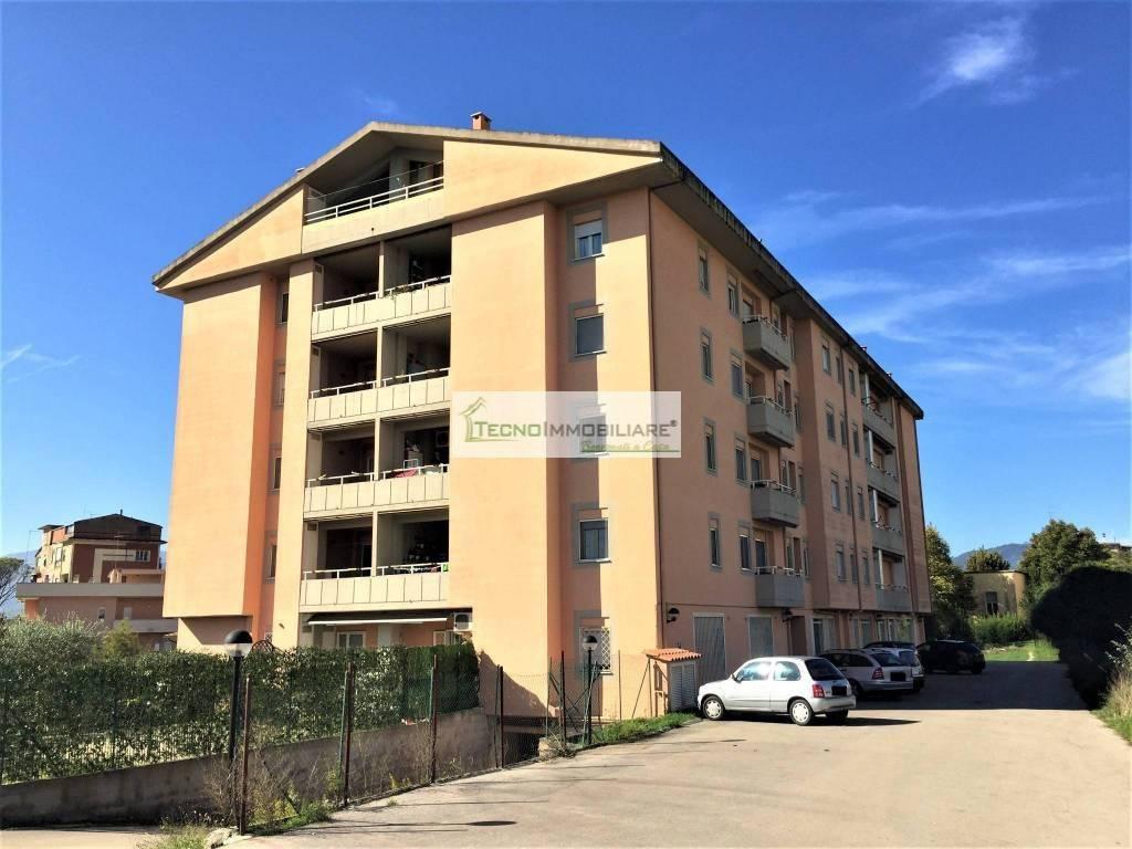 Appartamento in ottime condizioni in vendita Rif. 8340406