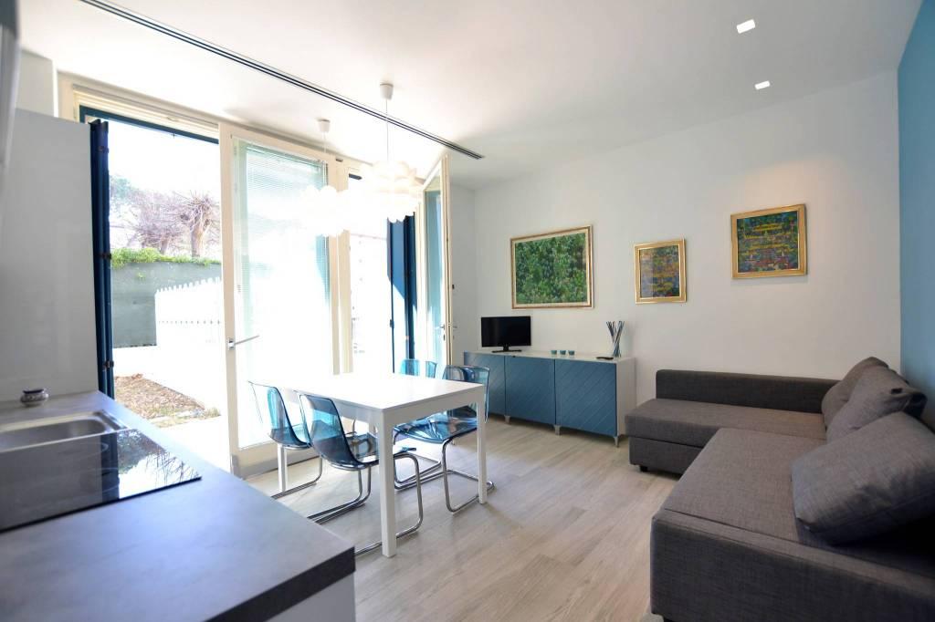 Appartamento in Affitto a Riccione Centro:  2 locali, 60 mq  - Foto 1