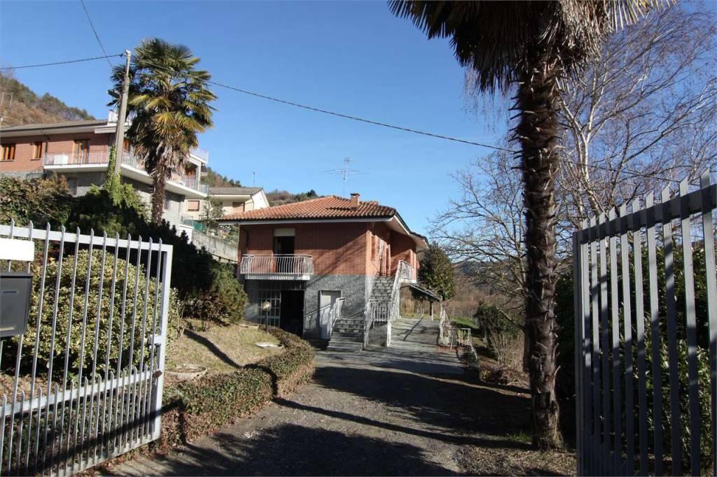 Villa in vendita a Castino, 9 locali, prezzo € 165.000 | PortaleAgenzieImmobiliari.it