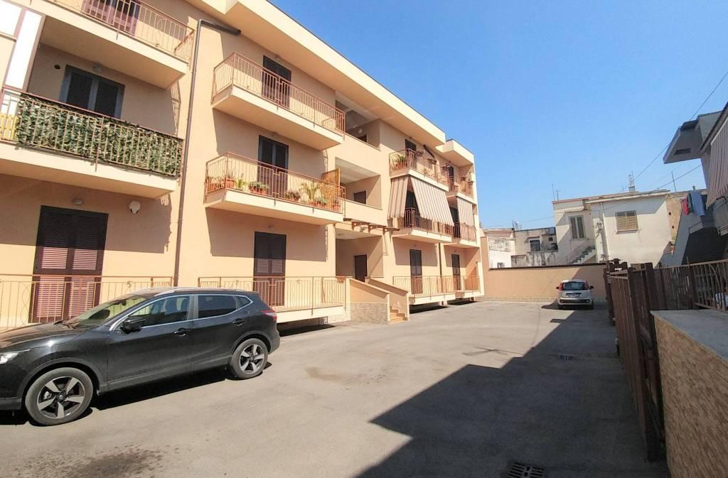 Appartamento in ottime condizioni arredato in vendita Rif. 8132431