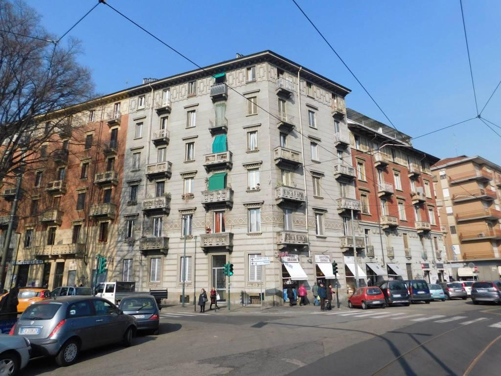 Foto 1 di Trilocale via Genova 32, Torino (zona Valentino, Italia 61, Nizza Millefonti)