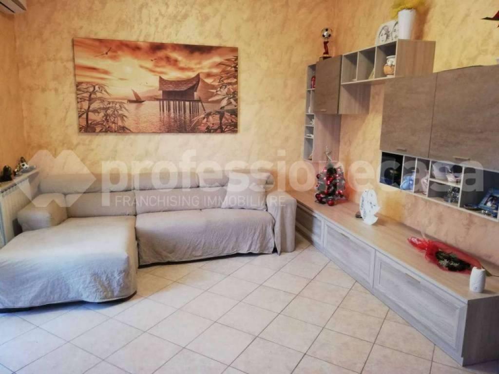 Appartamento in vendita a Busto Arsizio, 3 locali, prezzo € 79.000 | CambioCasa.it