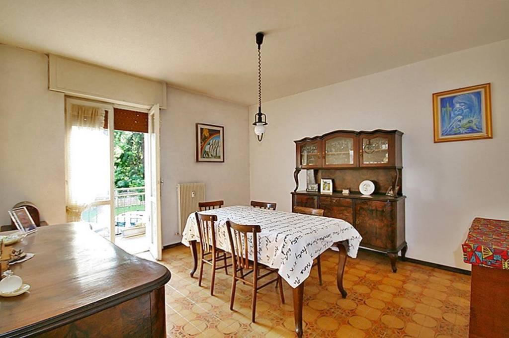 Appartamento in vendita a Alzate Brianza, 4 locali, prezzo € 115.000 | PortaleAgenzieImmobiliari.it