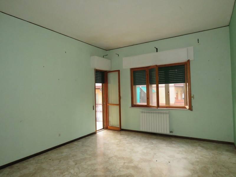 Appartamento in affitto a Civita Castellana, 4 locali, prezzo € 600 | CambioCasa.it