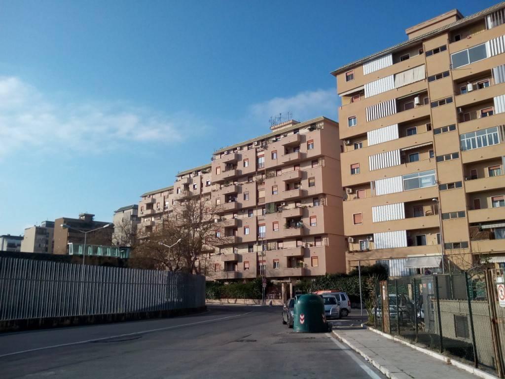 Appartamento in Affitto a Palermo Centro: 1 locali, 35 mq
