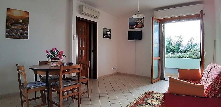 Appartamento in buone condizioni arredato in vendita Rif. 8369689