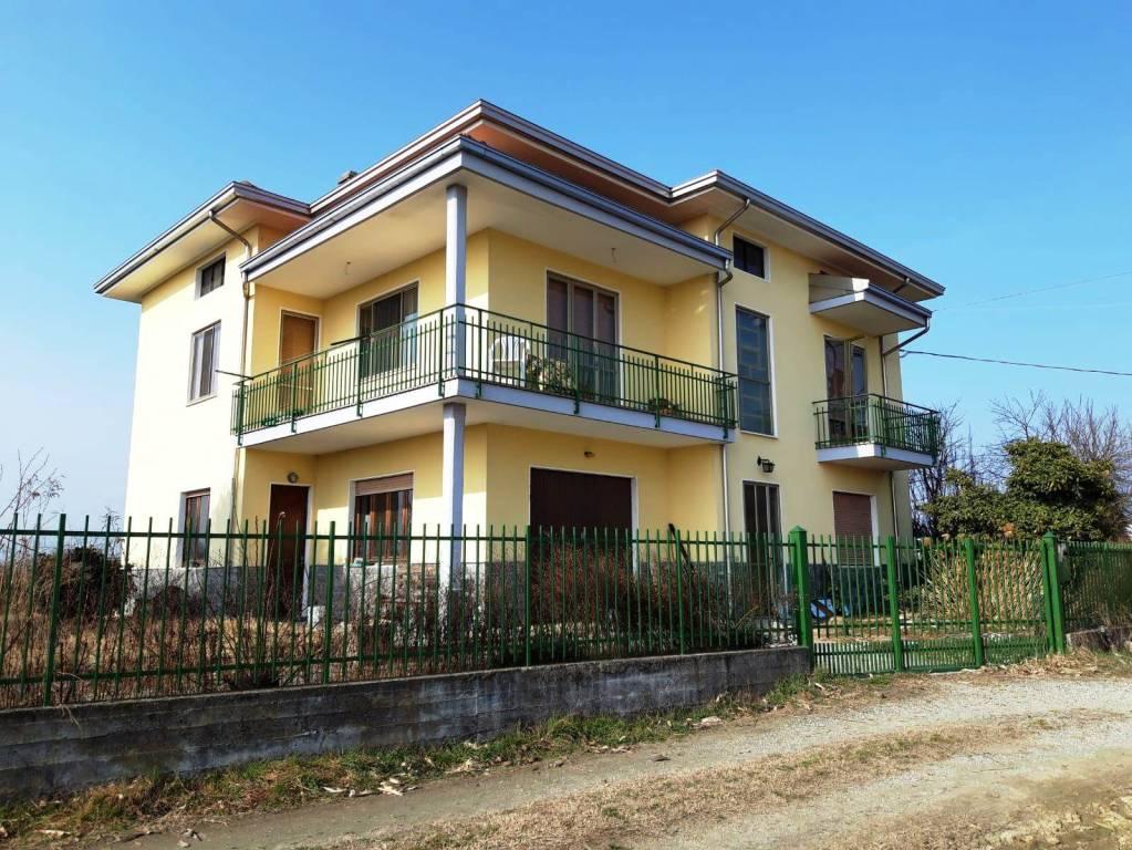 Foto 1 di Villa strada Inchiglia 1, Bollengo