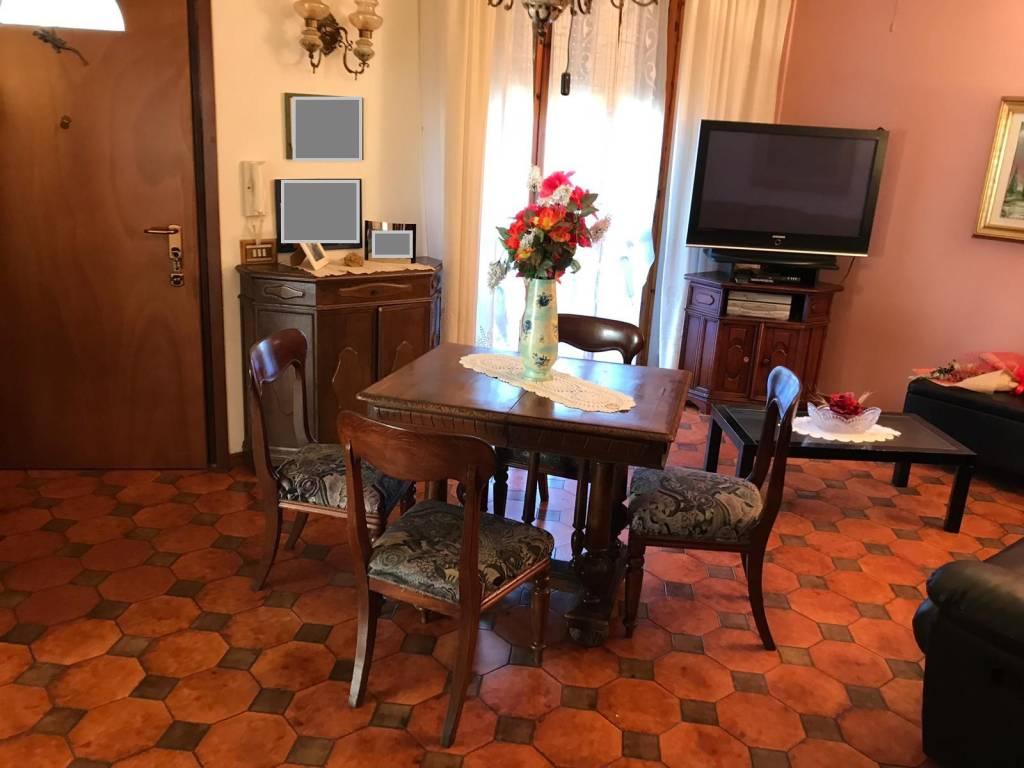 Appartamento in Vendita a San Mauro Pascoli Periferia: 5 locali, 131 mq