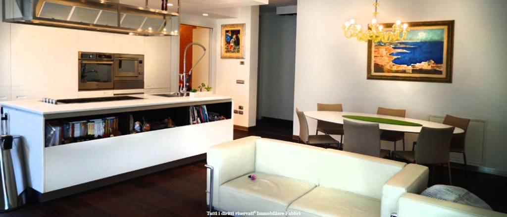 Appartamento in Vendita a Ferrara Centro: 5 locali, 170 mq