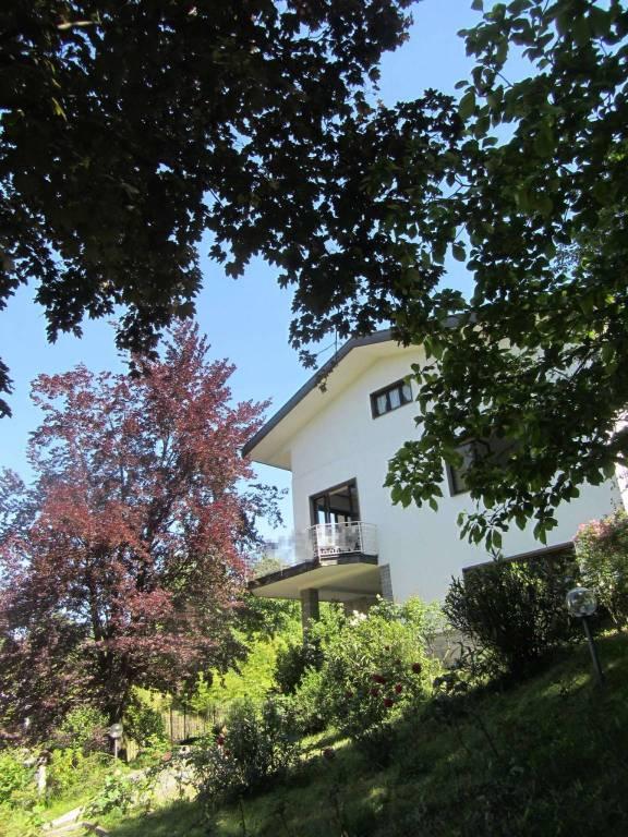 Villa in affitto a Varese, 6 locali, prezzo € 2.500 | CambioCasa.it