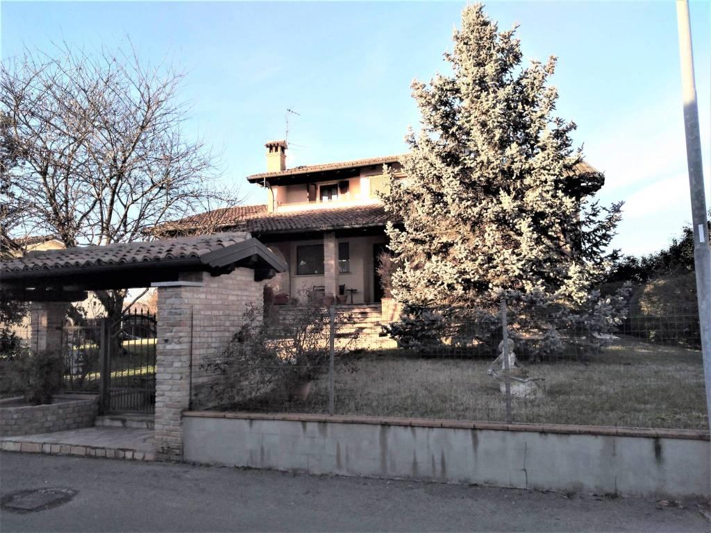 Villa in vendita a Lungavilla, 5 locali, prezzo € 249.000 | CambioCasa.it