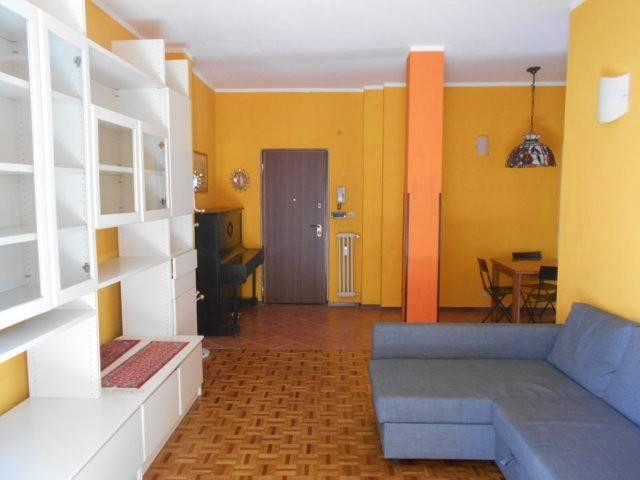 Appartamento in buone condizioni arredato in affitto Rif. 7202773