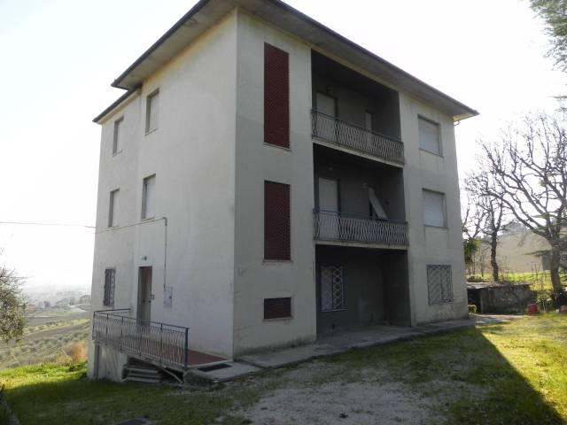 Appartamento 6 locali in vendita a Barbara (AN)