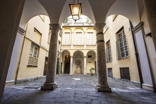 Appartamento in Vendita a Genova: 5 locali, 108 mq
