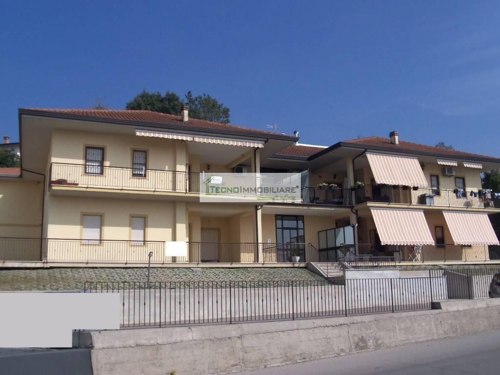 Appartamento in ottime condizioni in vendita Rif. 8692103